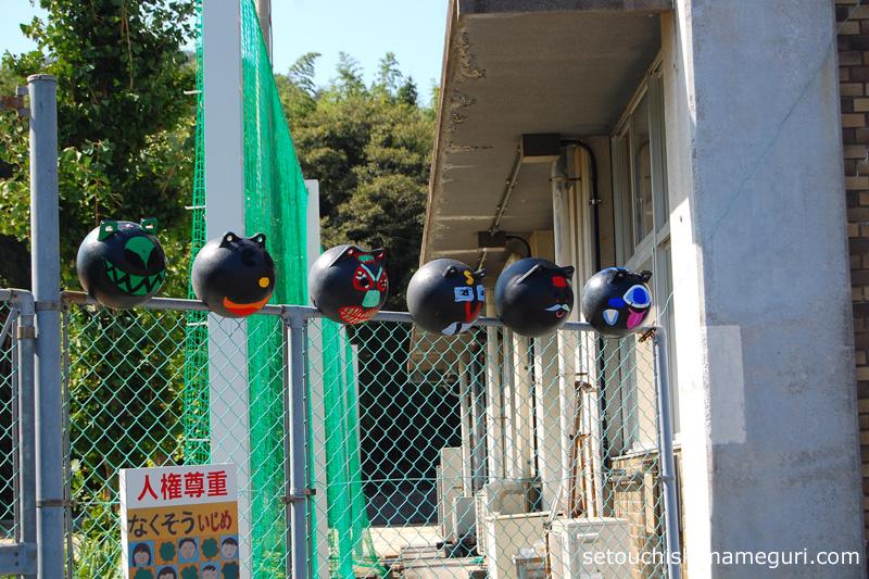本島中学校 ブイで作った飾り