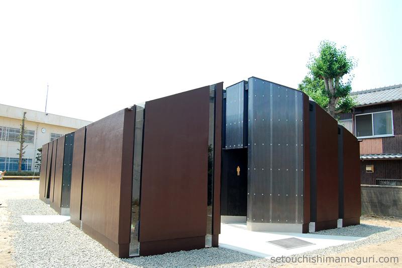 瀬戸内国際芸術祭2013 トイレの家