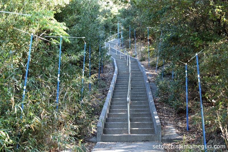 小豆島 重岩(かさねいわ)の登山道