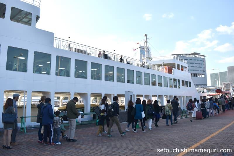 高松港 小豆島・直島行きフェリーの乗り場