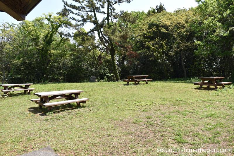沙弥島 白石古墳広場
