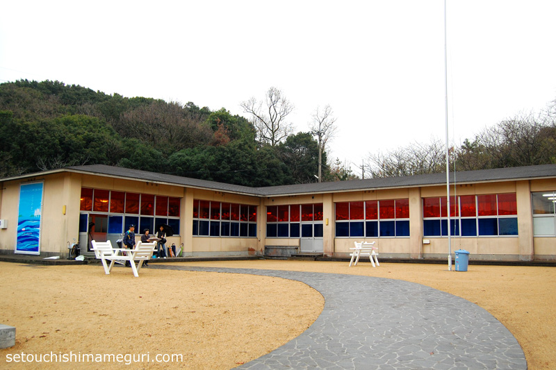 沙弥島 旧沙弥小・中学校