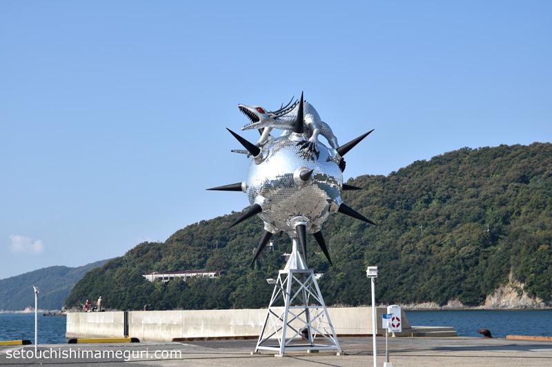 小豆島【ザ・スター・アンガー】ヤノベケンジ