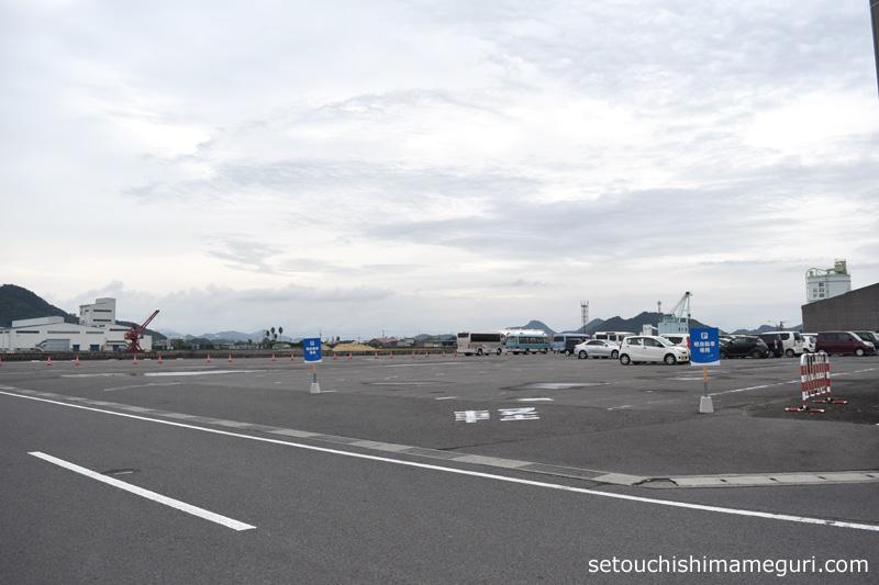 瀬戸内国際芸術祭 須田港の無料駐車場