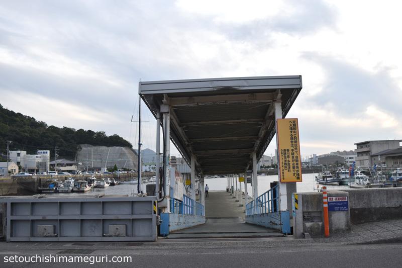 多度津港の桟橋
