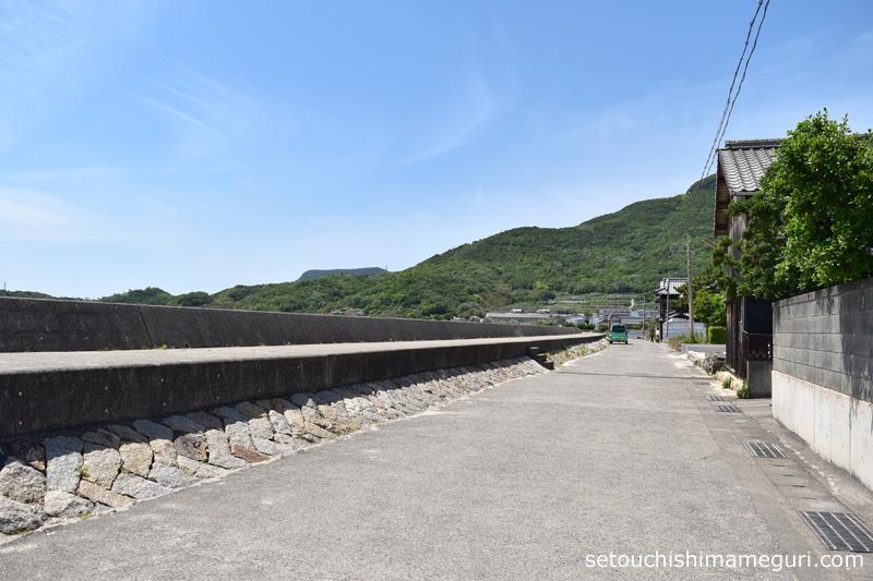 小豆島 タコのまくらへの道